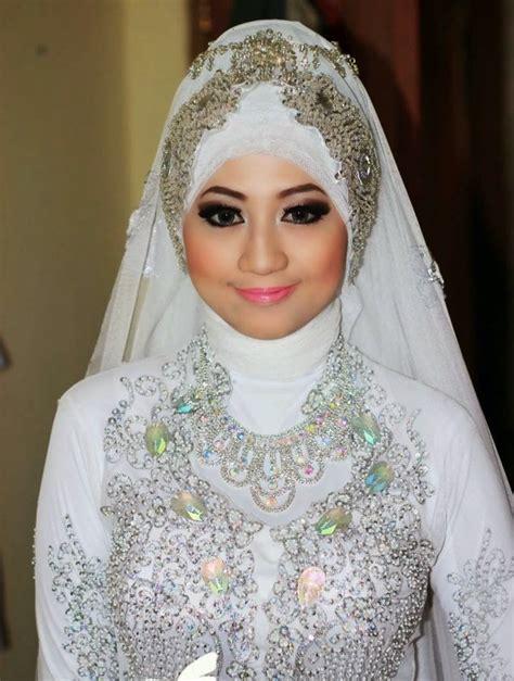 contoh rias pengantin muslimah natural terbaik