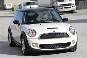 Mini Cooper Beige : purchase used 2011 mini cooper s white on beige leather 9k low miles warranty and financing in ~ Maxctalentgroup.com Avis de Voitures
