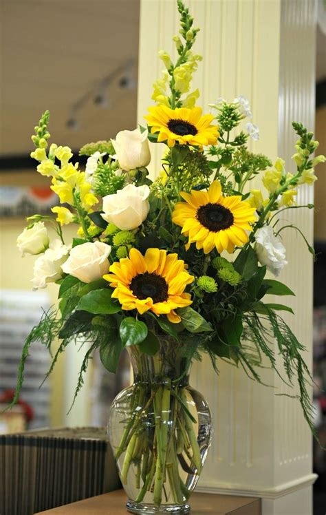 beautiful arrangement sunflowers white roses yellow
