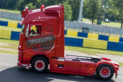 red volvo truck volvo truck images hd volvo truck pictures free to download