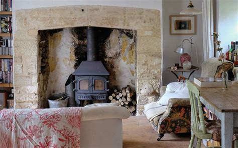 interiors restoring  country cottage    glory