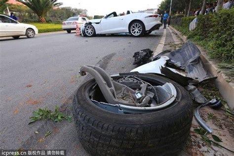 Водитель Jaguar F-type погиб в результате серьезной аварии