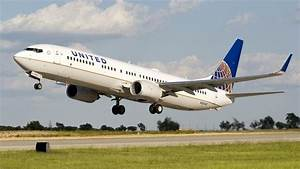 Could United Airlines de-hub Denver? - Chicago Business ...