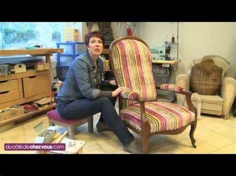 tapisser une chaise restaurer un fauteuil voltaire