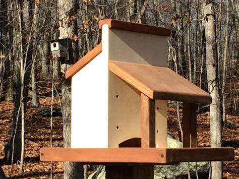 diy platform bird feeder plans   build  rustic