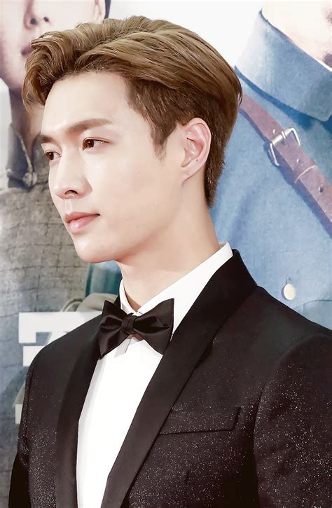 exo yixing zhang レイ 歌手 wikipedia