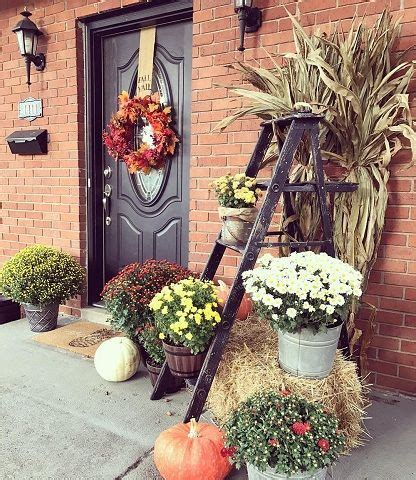 70 Colorful Outdoor Fall Décor Ideas to Perfectly Design