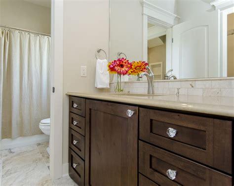 jack  jill bathroom  separate sink areasshared