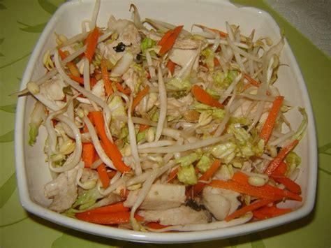 cuisine asiatique poulet salade asiatique de cyril lignac un peu de rêve dans ma