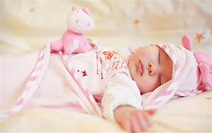 Celebrity Wallpapers: Sleeping Babies Wallpapers