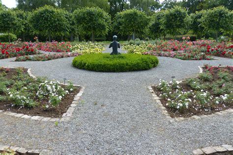 Botanischer Garten Kassel  Rosadoras Kunstgarten  Page 2