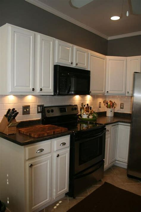 perfect kitchen wall colors  oak cabinets