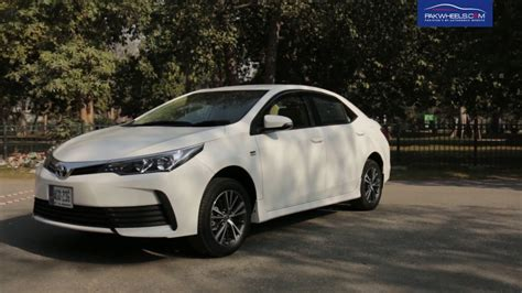 Toyota Corolla Altis Backgrounds by Toyota Corolla Altis 1 6 Detailed Review Price Specs