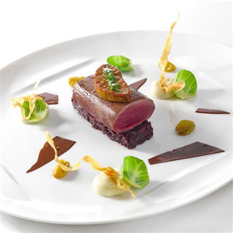 cuisiner du chevreuil dos de chevreuil d 39 écosse et foie gras poêlé une recette