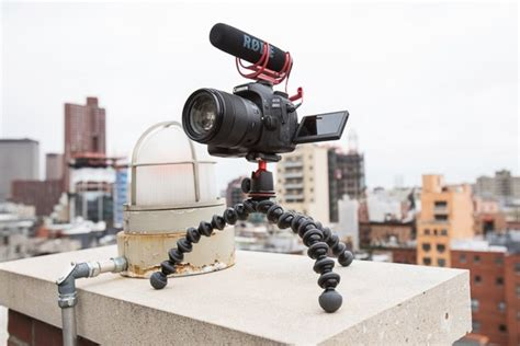 vlogging cameras  gear   reviews  wirecutter   york times company