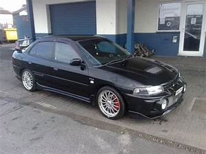 1997 Mitsubishi Lancer Evolution - Pictures