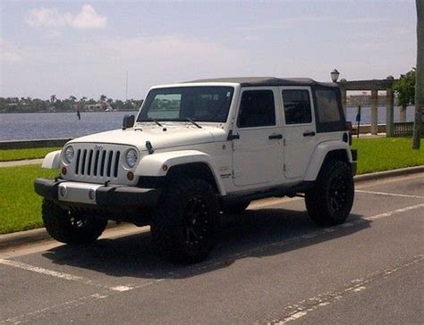 jeep tires 35 buy used 2010 jeep wrangler unlimited sahara lift kit 35