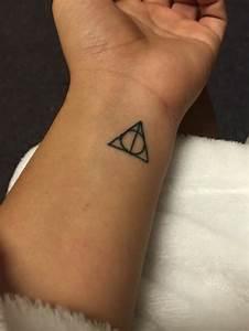 Tatouage Minimaliste : le meilleur tatouage minimaliste trouvez votre mod le ~ Melissatoandfro.com Idées de Décoration