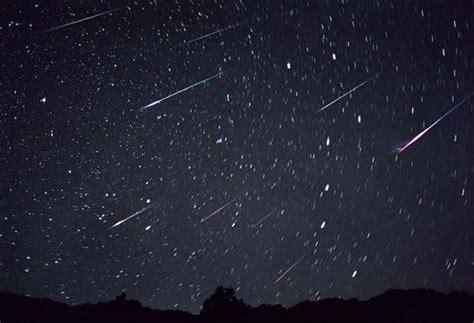 In der seilbahn über den rhein schweben und den einzigartigen blick über stadt und dom genießen! Sternschnuppen-Feuerwerk 2014 - Allmystery