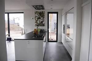 Deckenlampe Küche Modern : k che modern raumgestaltung farbkonzepte aus der pfalz ~ Frokenaadalensverden.com Haus und Dekorationen
