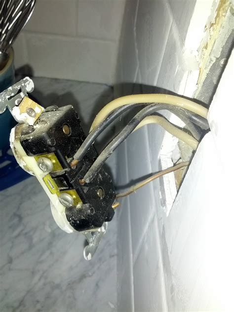 Electrical Can Replace This Receptacle That Has Four