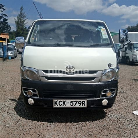 Experience a higher level of luxury. Toyota HiAce KDH200 in Nairobi | PigiaMe
