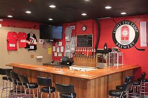 The world39s best hockey bars for Lamp the light brewery