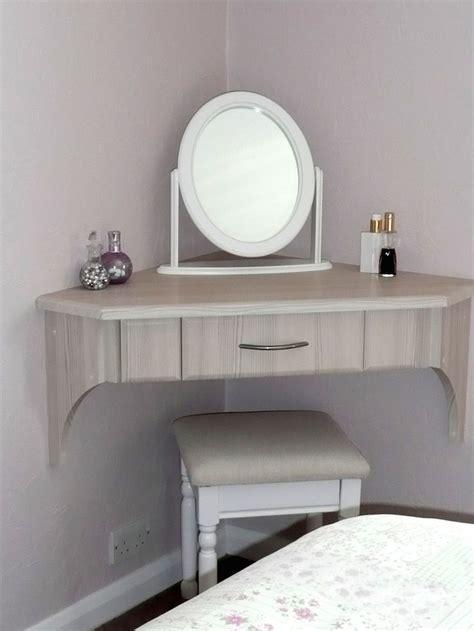 Corner Bedroom Vanity by Best 25 Corner Vanity Ideas On Corner Vanity