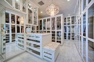 10 things i wish my realtor would have told me freshomecom for Luxury walk in closet