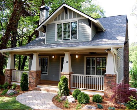 Classic Craftsman Cottage With Flex Room