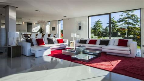 location bureau 10 location villa contemporaine avec piscine au pays basque