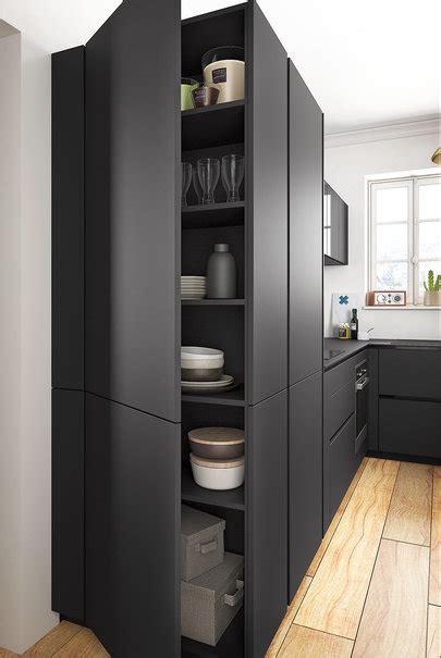 poignee cuisine cuisine moderne noir et bois ouverte ambiance rétro mobalpa