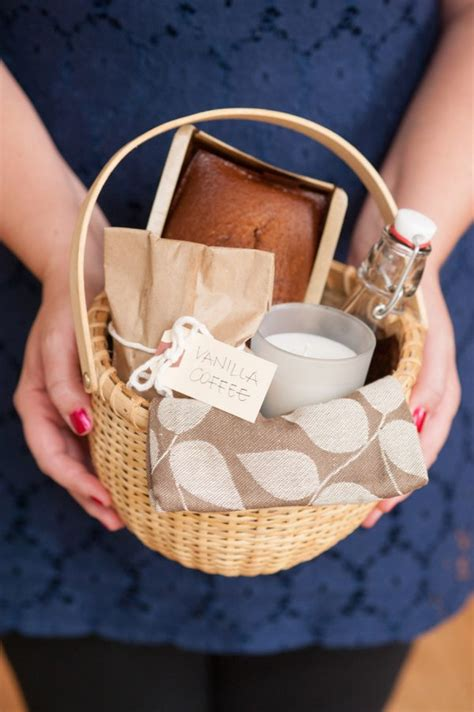 diy holiday hostess gift basket the sweetest occasion