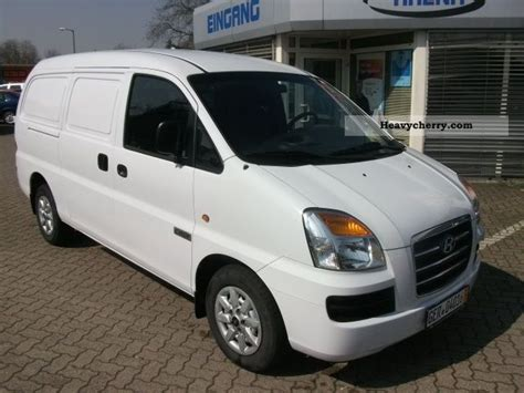 hyundai h1 cargo hyundai h1 2 5 crdi cargo 2008 box type delivery photo and specs