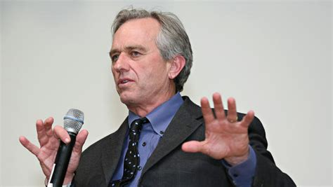 Robert F. Kennedy Jr. Apologizes For
