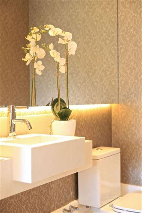 papel de parede estampado  banheiro