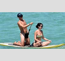 Orlando Bloom Standup Paddleboards Naked With Katy Perry Grindtv Com