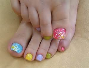 Colors for each toe nail which gives the hint of chic and cuteness