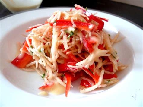 cuisiner le radis noir cru radis noir et poivron cru recette de cuisine alcaline