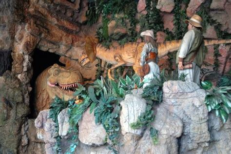 Pigeon Forge Jurassic Jungle Boat Ride Ticket Prices by Scary Dinosaur Picture Of Jurassic Jungle Boat Ride