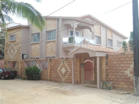 a vendre une villa haut standing avec piscine ngor almadies