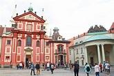 Prague Castle guide including St. Vitus Cathedral, Golden ...
