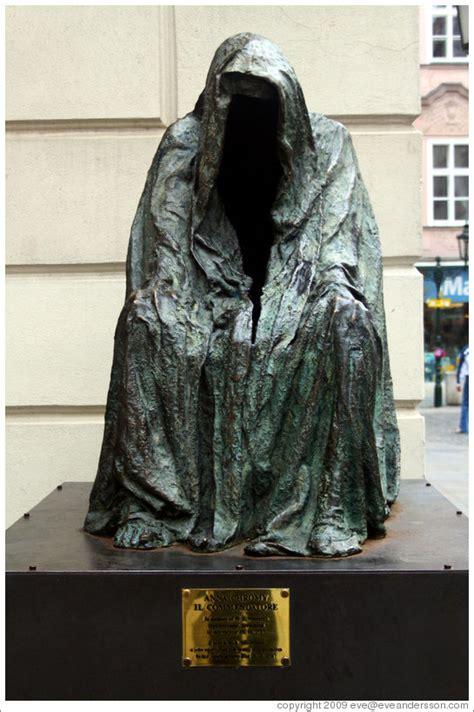 Sculpture commemorating Mozart's opera Don Giovanni ...
