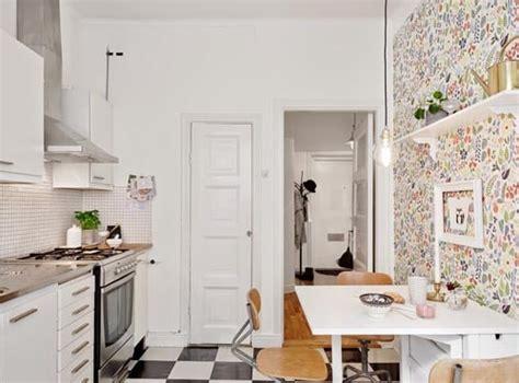 tapisserie cuisine moderne tapisserie dans la cuisine a faire ou à oublier