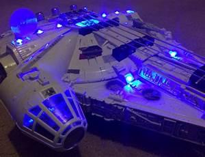 Faucon Millenium Star Wars : et maintenant la guitare faucon millenium ~ Melissatoandfro.com Idées de Décoration