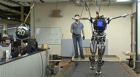 legged human  robot