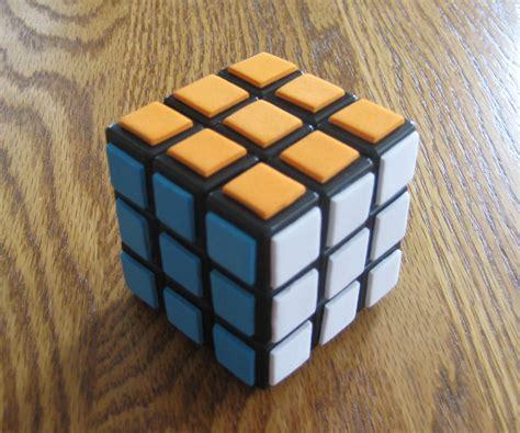 Sticker-free Rubik's Cube!