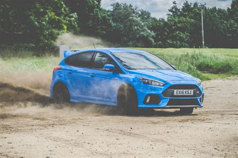 Ford Focus Drift by Ford Focus Rs Review Uk Drift King Average Joes