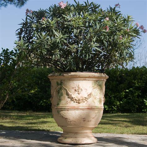 chene vert en pot poterie le ch 234 ne vert vase d anduze prestige flamm 233 vases d anduze 233 maill 233 s ou patin 233 s antica