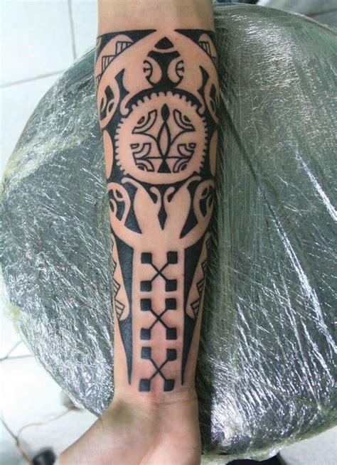 tatouage maori avant bras tatouage avant bras maorie affordable tatouage bras photo
